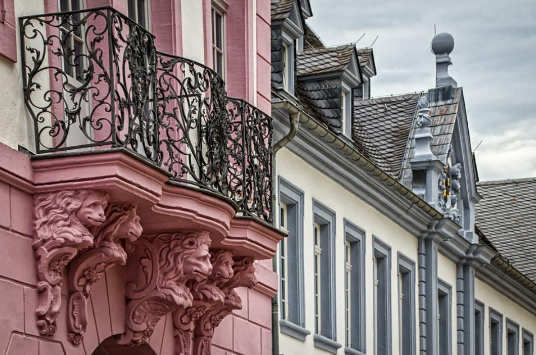 balkón a zábradlí