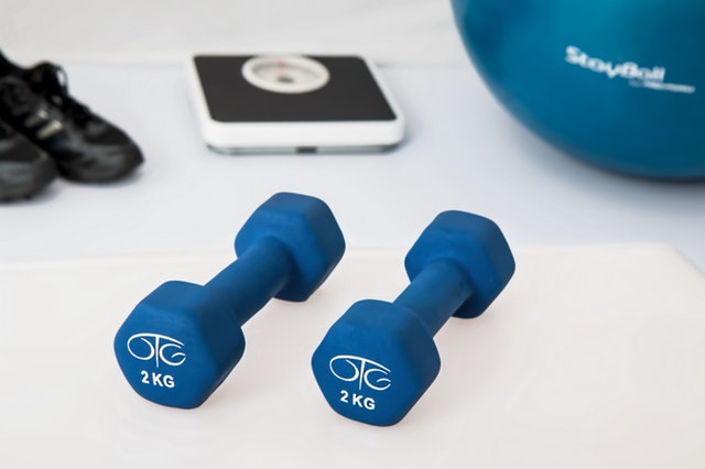 činky, aerobik
